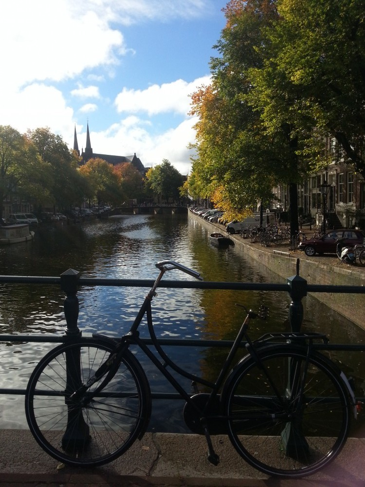 ade-amsterdam-canal-1